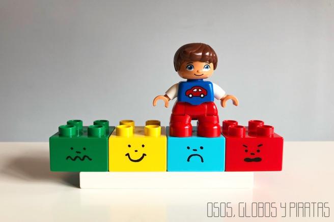 EMOCIONES LEGO firma